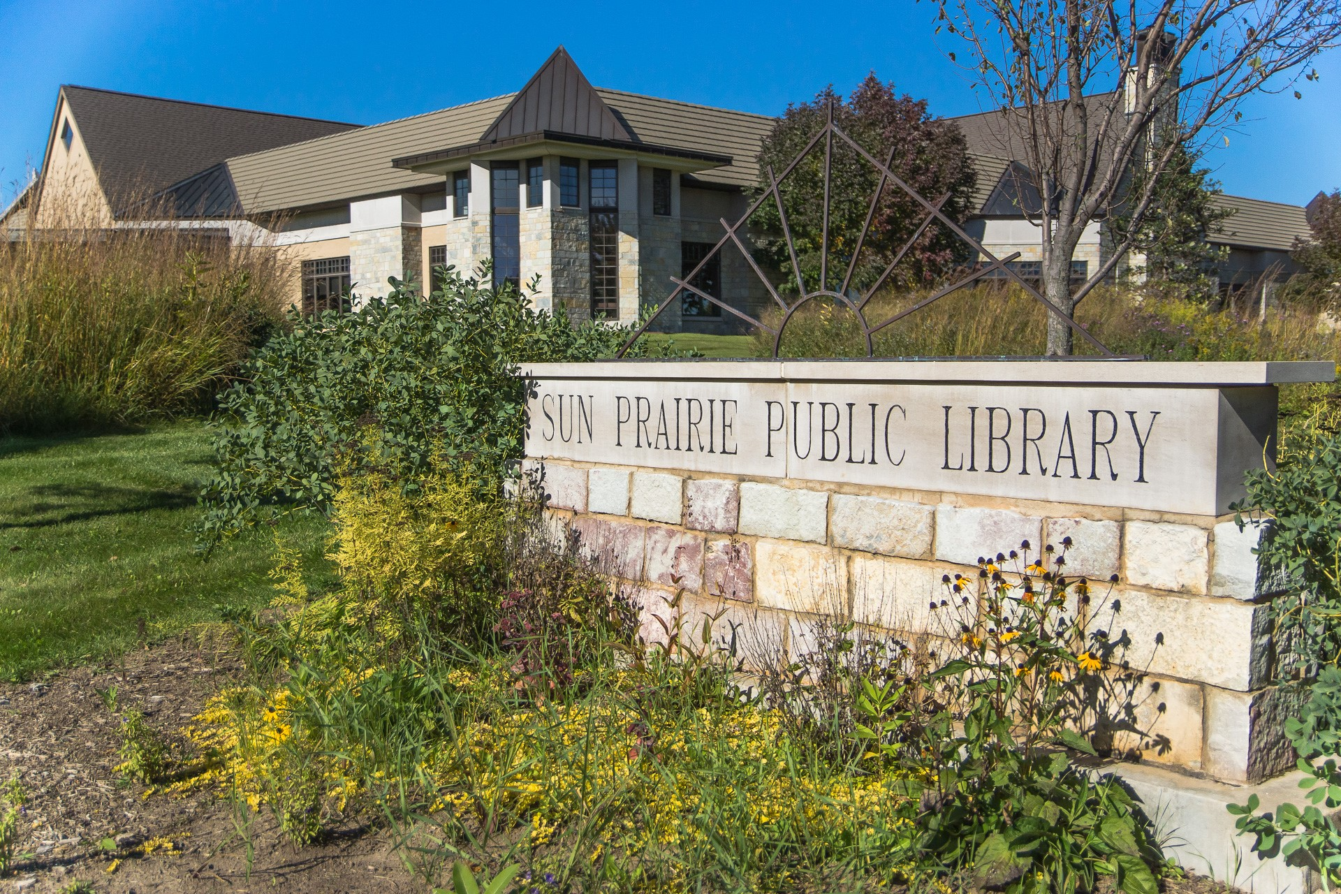 Sun Prairie Public Library Entrance